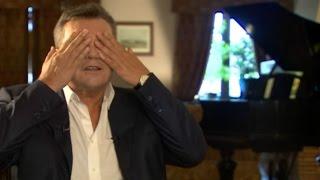 Янукович: что плохого в том, что я поддерживал страусов?(В интервью ВВС отстраненный президент Виктор Янукович заявил, что владел только отдельным домом на террито..., 2015-06-23T15:27:33.000Z)