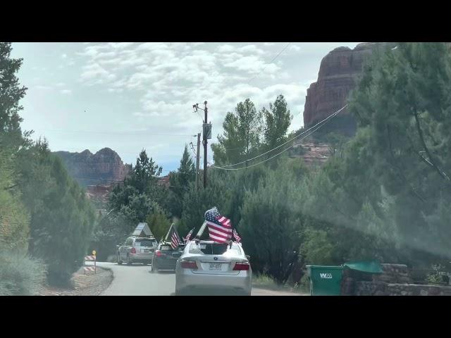 15 紐約車隊經過紅石山 Endccp cars to Sedona Red Rock mountain 1062021