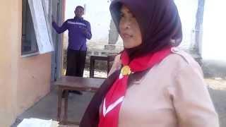 Download Video Bu Guru Eny Purwatie yang cantik MP3 3GP MP4
