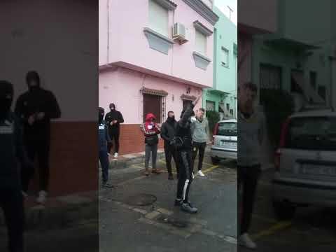 Linenses protestas por la llegada del autobús de Alcalá del Valle