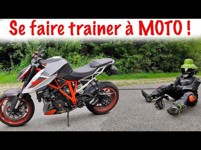 Je TEST la résistance des équipements moto.