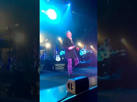 Jim Kerr live on stage in Glasgow singing Chelsea Girl