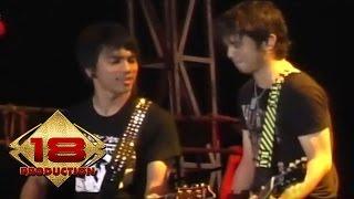 Ungu - Melayang  (Live Konser Kupang 03 Mei 2007)