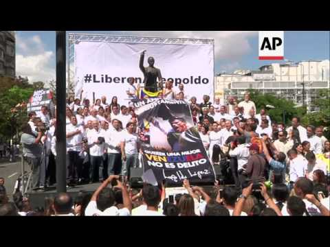 Hundreds of people gathered in support of Venezuela's jailed opposition leader Leopoldo Lopez in Car