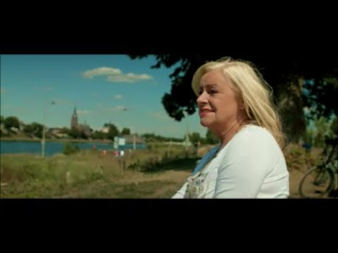 VIDEOCLIP: Corry Konings - Druk je lijf tegen dat van mij