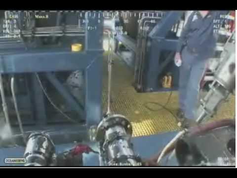 Gulf Oil Leak LIVE Video from Ocean Intervention III ROV1 - 2010-0609-1748