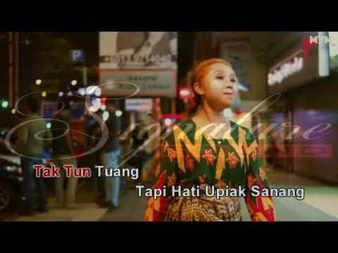 Tak Tun Tuang - Upiak Isil (Karaoke)