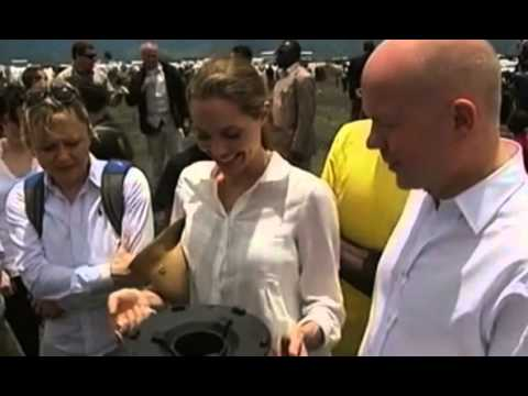An unlikely pair... Angelina Jolie and William Hague in DR Congo