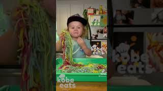 CHEF KOBE PLAYS WITH RAINBOW SPAGHETTI!