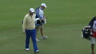 Marc Leishman chips in to win hole at The Presidents Cup