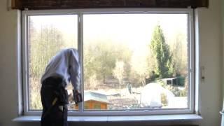 Winfera ramen en deuren(Plaatsen van een raam in PVC met rolluik en binnenafwerking in MDF door winfera., 2013-05-22T09:13:44.000Z)