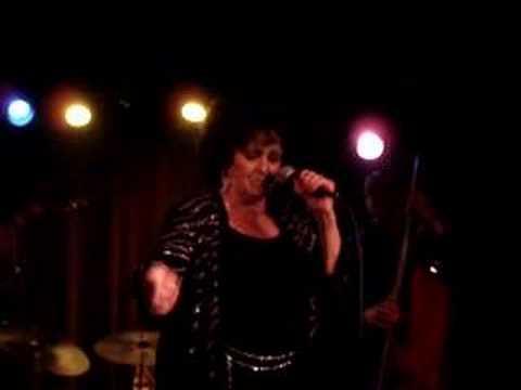 Wanda Jackson - Whole Lot of Shakin' Goin' On (LIVE)