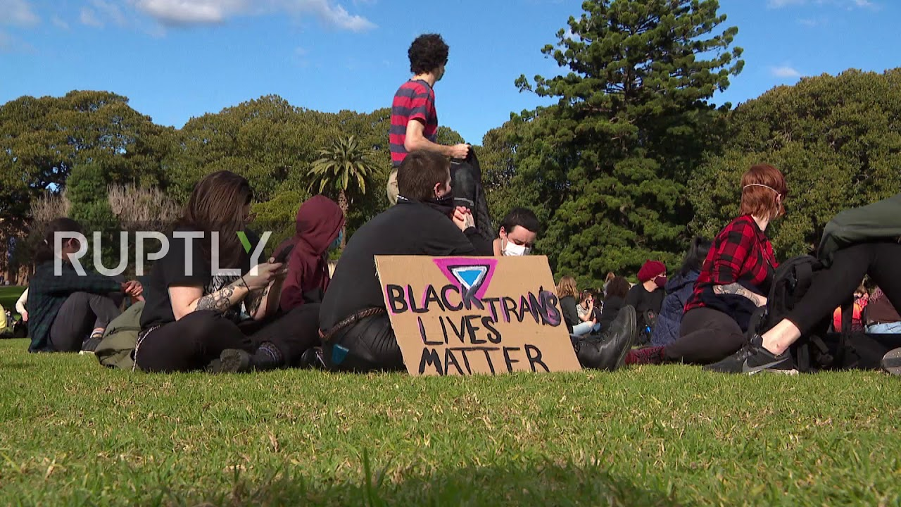 Australia: Thousands protest police brutality against Indigenous Australians at Sydney BLM rally
