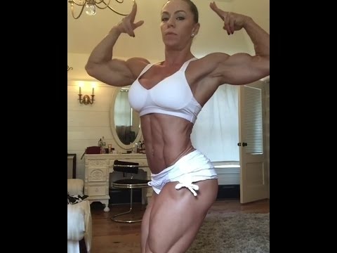 42 years old physique competitor Juliana Malacarne