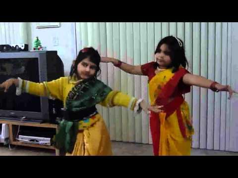 Phule Phule Dhole Dhole - By Sristi and Sayanika
