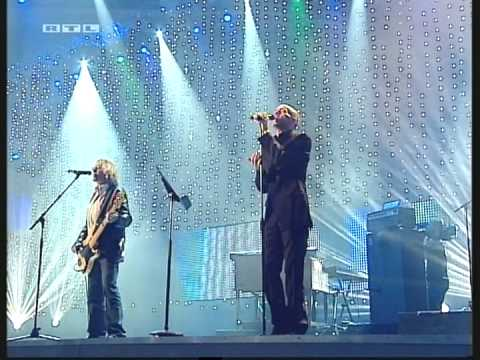 REM - Leaving New York @ Koln (Cologne) Germany - 24 Septembre 2004