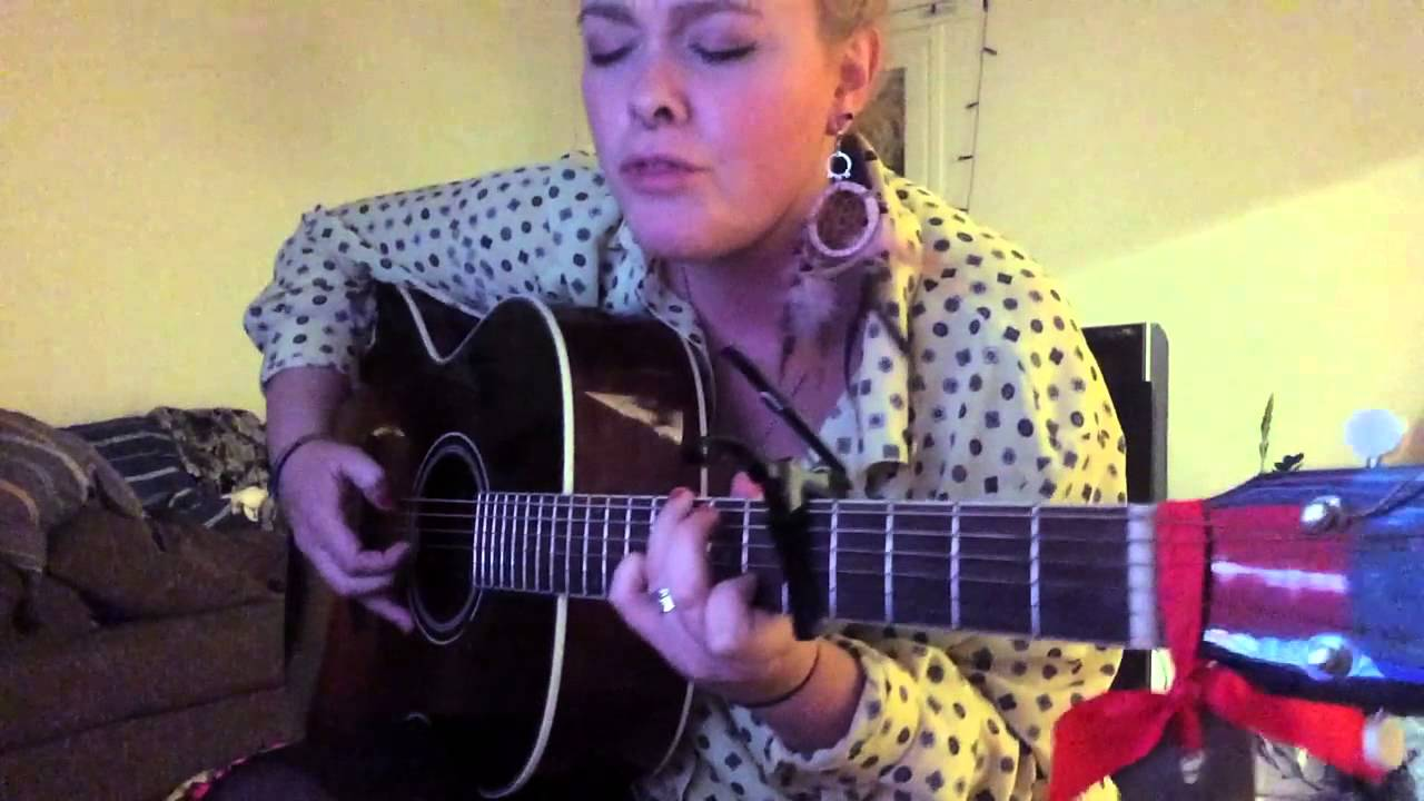 Sia - Chandelier (Guitar Cover by Charlotte Nordin) - YouTube