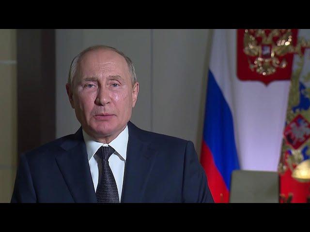 Владимир Путин поздравил таможенников с профессиональным праздником.