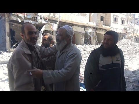 مدنيون احتموا بالأقبية من القصف  في مدينة الباب السورية