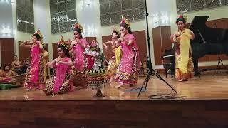 Puspanjali Dance of Chicago Balinese Gamelan