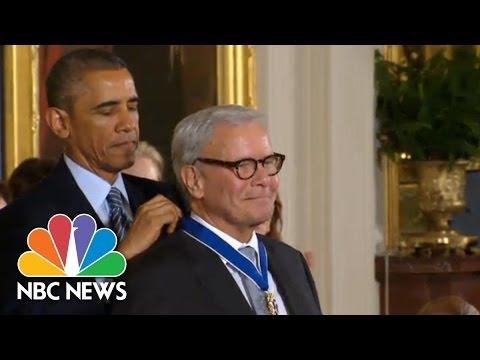 Tom Brokaw Receives Medal Of Freedom | NBC News
