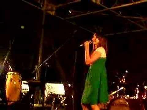 Katy singing