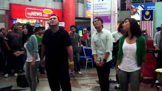 Akim, Nera, Ray & Ira - Bayangan Ilham @ Akustika Raya 2011 (Part 4) Mp3