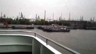 http://d.hatena.ne.jp/t-yana/20040415 船で3日目、ようやく上海に到...