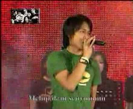 PETERPAN DI DAGO PLASA BANDUNG ( LIVE ) - JAUH MIMPIKU