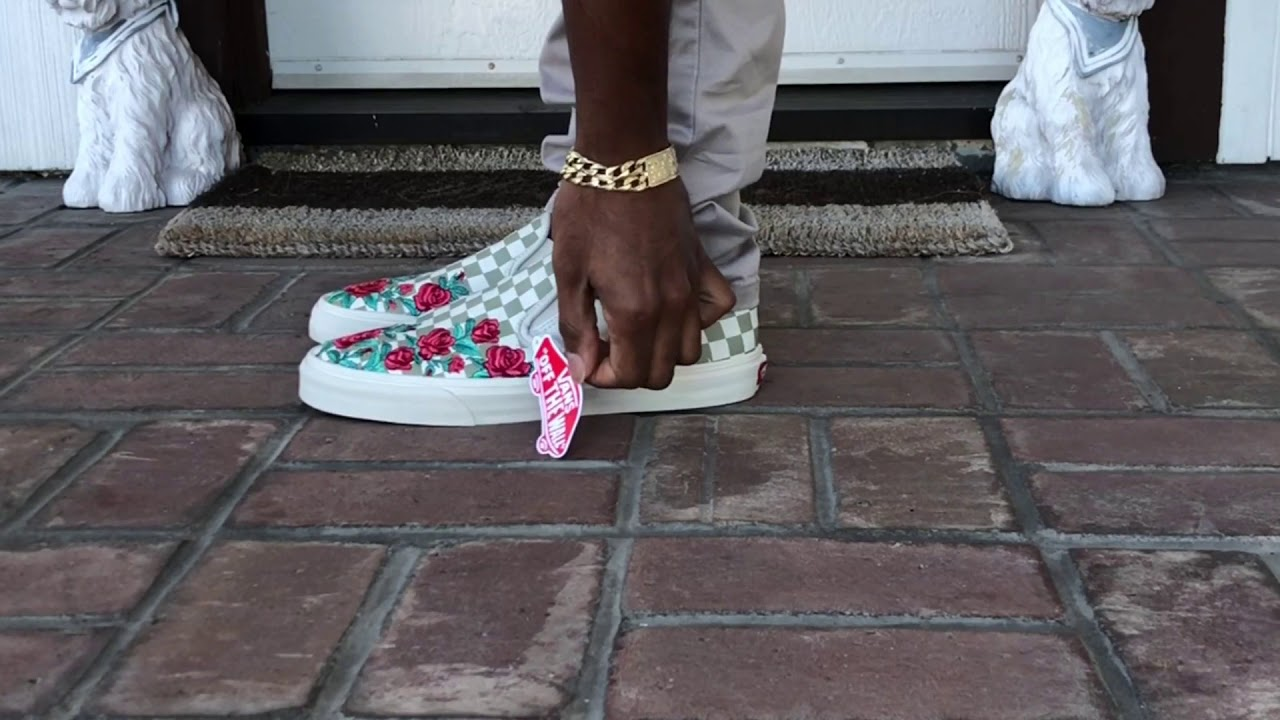 On feet Review  Vans Rose Embroidery Dx - YouTube 28489b1b3