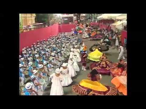 Maracatu Nação Estrela Brilhante Parade in Carnival