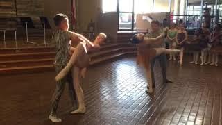 HM and Travis Ballet SoFA Performance