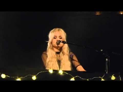Nina Nesbitt - Tough Luck (Acoustic) (HD) - Union Chapel - 02.12.14