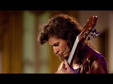 Sharon Isbin Performs at the White House: 1 of 8