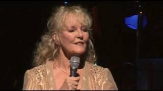 Petula Clark - Look to the rainbow (Live Olympia)
