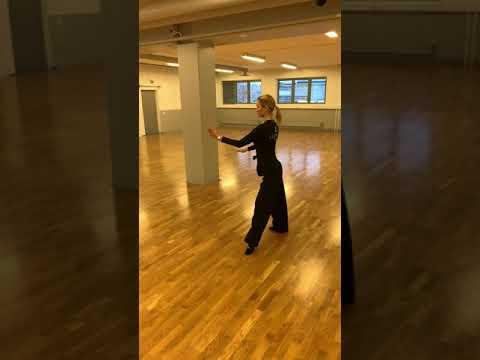 Onnea! Elias ja Emmiina. 10-tanssin Juniori II suomenmestarit 2019