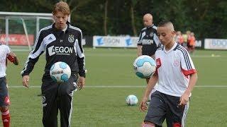 Winnaar Ajax Streetwise traint met D2