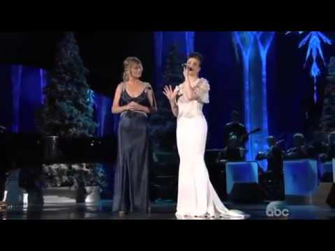 Let It Go from Frozen Jennifer Nettles & Idina Menzel at CMA Country Christmas 2014