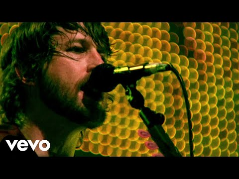 Foo Fighters - No Way Back (Official Music Video)