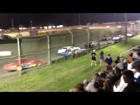 Factory Stock Heat Race #2 Superbowl Speedway 9-17-16