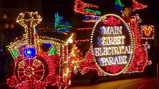 Repeat youtube video Main Street Electrical Parade returns to Disneyland! First FULL 2017 performance