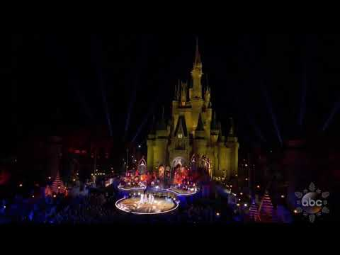 Fifth Harmony - Christmas Song (Disney Magical Holiday Celebration)