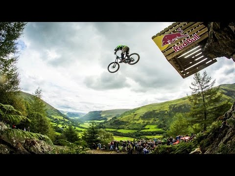 Hardcore Downhill MTB Racing - Red Bull Hardline 2015