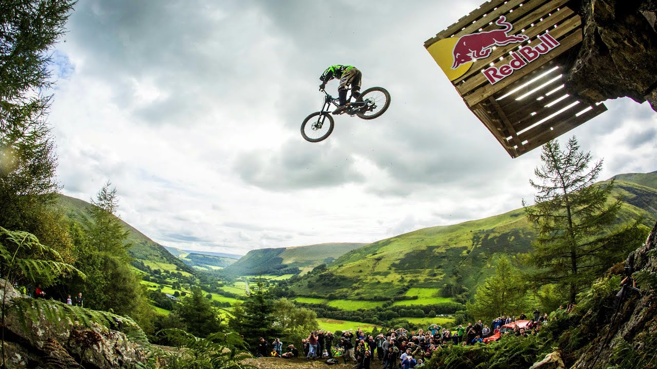 Red Bull Mountain Bike >> Hardcore Downhill Mtb Racing Red Bull Hardline 2015 Youtube