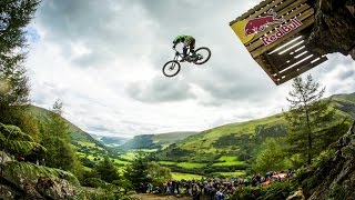 Hardcore Downhill MTB Racing - Red Bull Hardline 2015(Pedal over to Red Bull TV for more biking action: http://win.gs/MoreBiking Red Bull Hardline, the brainchild of Dan Atherton, has been dubbed one of the most ..., 2015-10-09T06:00:00.000Z)