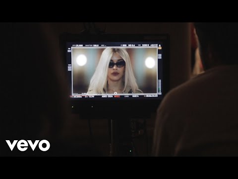 Jorja Smith - Behind The Scenes:
