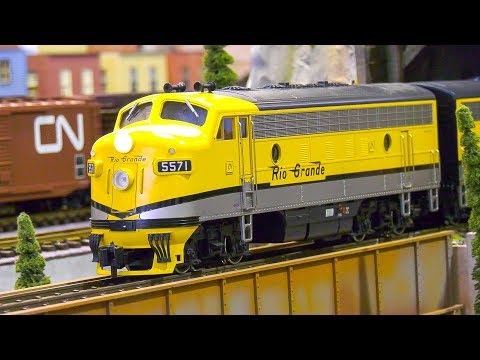 AMAZING MODEL TRAINS, MODEL LOCOMOTIVES, RAILROAD RAILWAY ACTION!! RIO GRANDE TRAIN