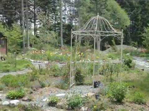 Dreaming of a garden of Tasha. Handmade garden Naganuma-cho, Hokkaido.