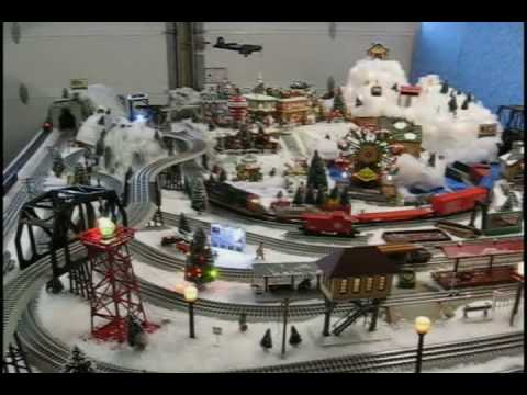 Family Christmas Lionel Train Layout - YouTube