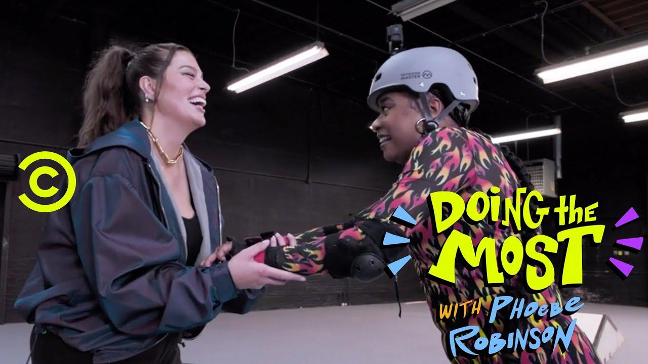 Ashley Graham Teaches Phoebe Robinson How to Rollerblade